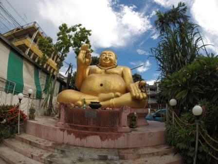 Buddha al mercato - Chiang Rai