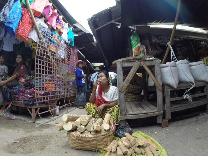 Myanmar Meiktila market03