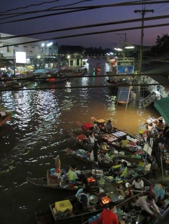 Mercato galleggiante Bangkok Thailand