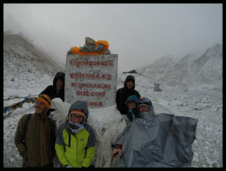 il-freddo-al-campo-base-delleverest-in-tibet
