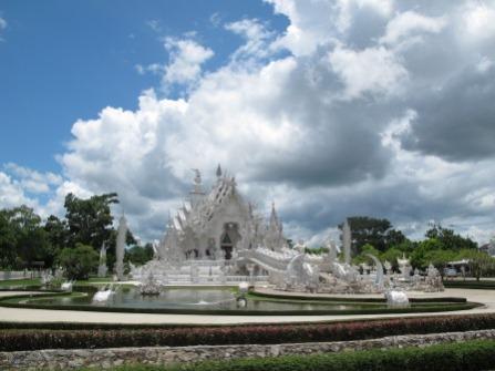 white-palace-chiang-rai